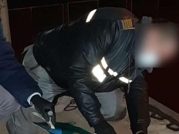 Trei cetăţeni din Maroc şi unul din Siria, ascunși într-un camion  încărcat cu aragazuri, depistaţi la P.T.F. Giurgiu