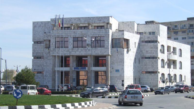 Angajaţii Consiliului Judeţean Giurgiu îşi primesc la zi salariile  exorbitante…