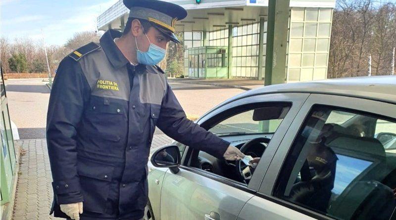 Zeci de amenzi şi certificate de înmatriculare reținute de poliţiştii de frontieră pentru I.T.P.-uri expirate