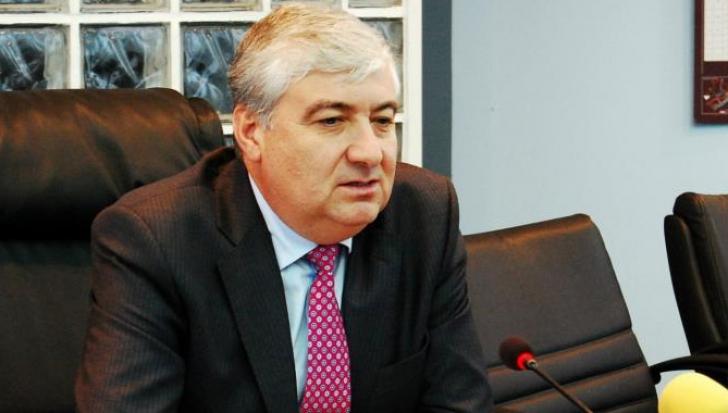Fostul primar Nicolae Barbu chiar şi la sfârşit de mandat încearcă să joace cu giurgiuvenii un fel de alba-neagra