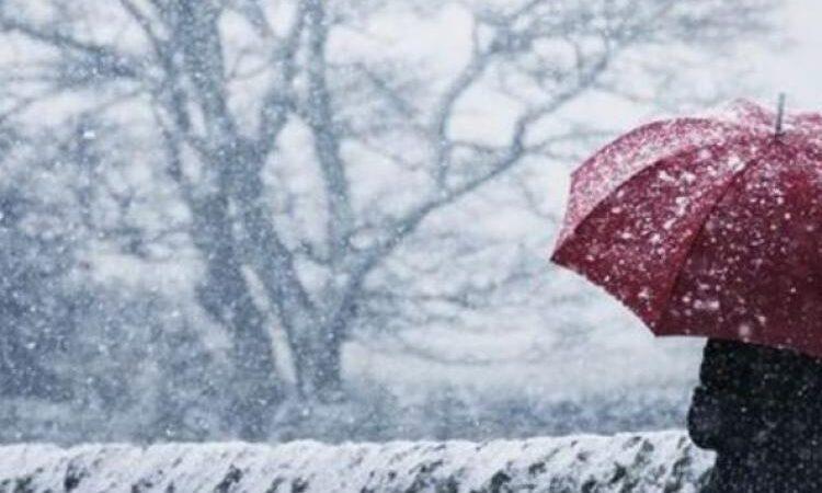 Avertizare meteo de ninsori, vânt și polei în jumătatea de sud a țării