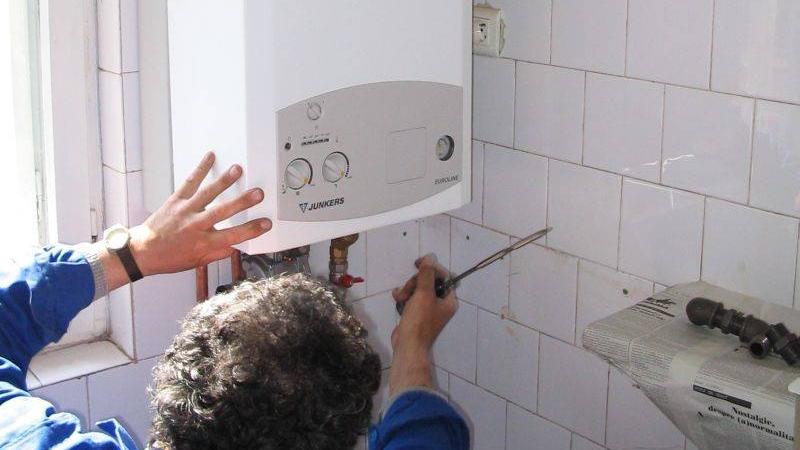 Noi reguli pentru montarea centralelor termice de apartament. La ce trebuie să fie atenți românii