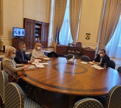 Infrastructura CFR una din priorităţile senatorului PNL Toma Petcu