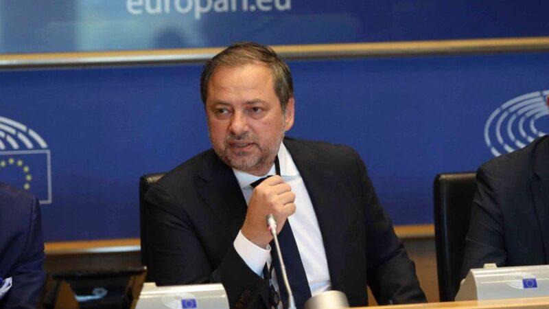 Preşedintele PNL Giurgiu, europarlamentarul Dan Motreanu alături de preşedintele Klaus Iohannis cu ocazia Zilei Mondiale a Sănătății