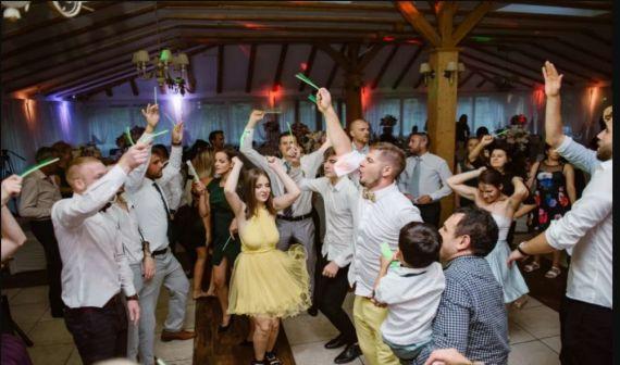 CNSU a anunţat măsurile de relaxare valabile de la 1 iunie. Fără mască în birouri, nunți cu 70 de persoane, spectacole cu 1000 de participanți