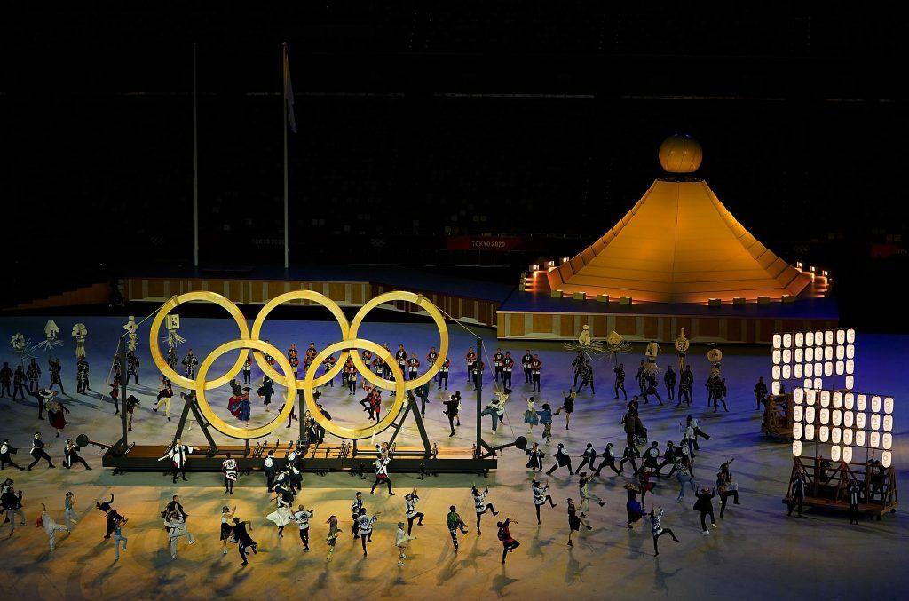 Deschiderea Jocurilor Olimpice a avut loc pe un fundal sumbru, lovit de pandemie