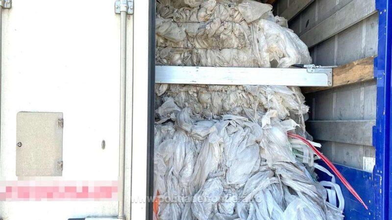 37 tone deșeuri din plastic transportate ilegal din Grecia,  oprite la P. T. F. Giurgiu