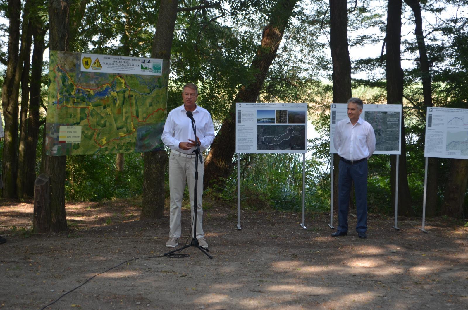 """Preşedintele României, Klaus Iohannis, prin prezenţa sa la """"Parcul Naţional Comana"""" a dorit să atragă atenţia asupra importanţei ce trebuie acordată zonelor naturale protejate"""